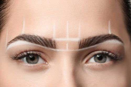 como delinear cejas perfectas