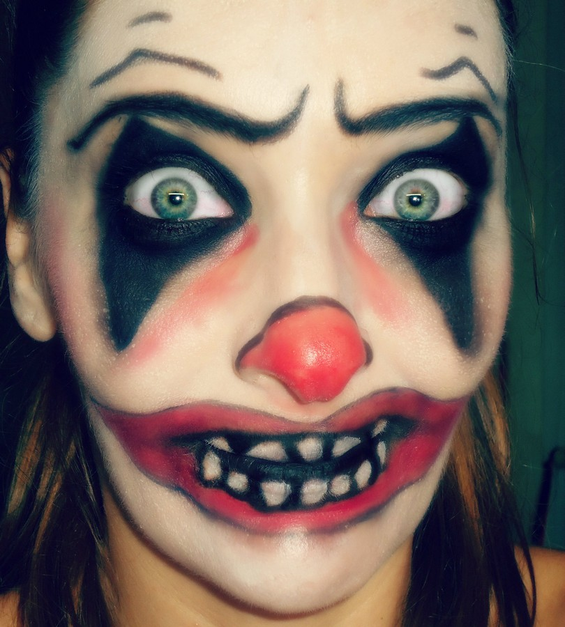 Payaso diábolico maquillaje halloween