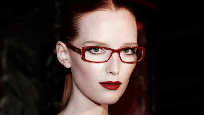maquillaje con gafas