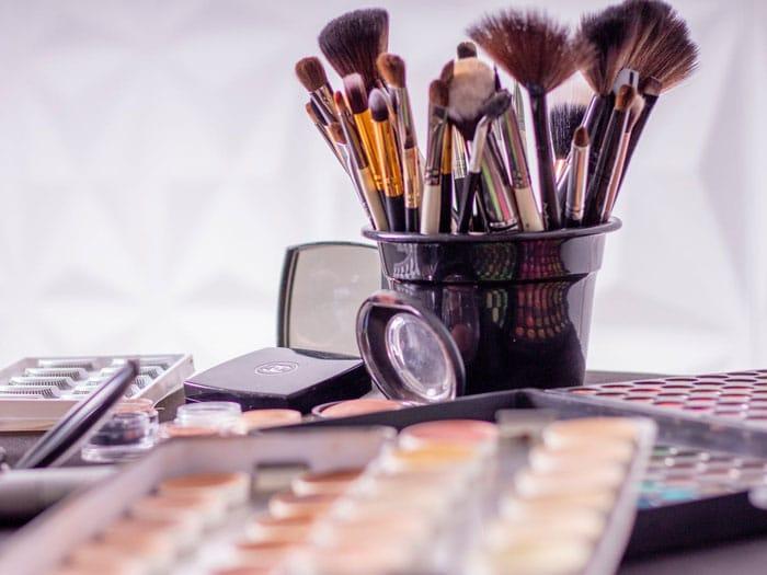 lavar brochas esponjas maquillaje