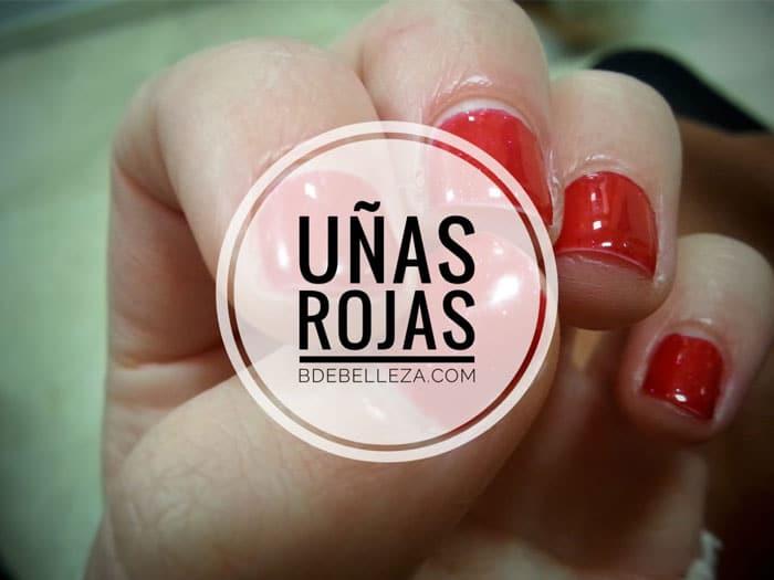 decoracion de uñas rojas