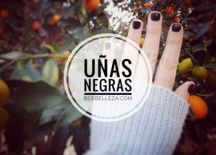uñas negras decoradas