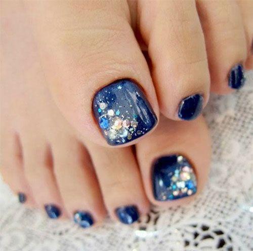 uñas de pies navideñas con brillo