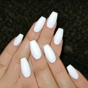 uñas color blanco