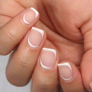 lineas blancas en uñas