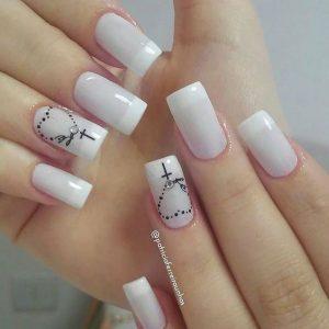 uñas blancas cruz