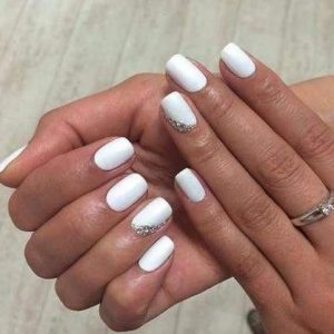 nail art blanco