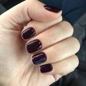 decoracion uñas en color vino