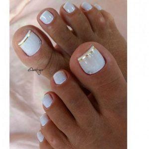decoración uñas de pies con cintas 3