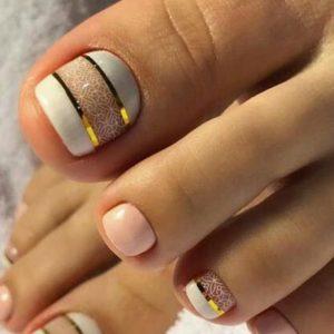 decoración uñas de pies con cintas 1