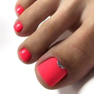 uñas de pies color fluor