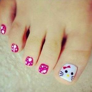 uñas pies hello kity