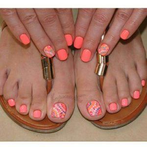 combinar uñas de pies y manos