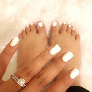 combinar uñas de pies y manos 10