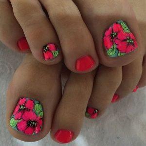 decoración de uñas de pies con flores 2