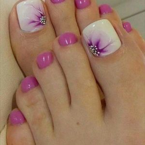 decoración de uñas de pies con flores 5