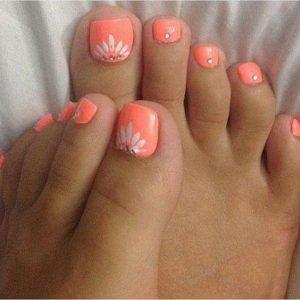 decoración de uñas de pies con flores 10