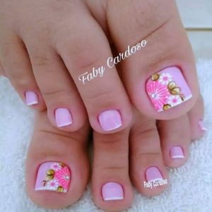 decoración de uñas de pies con flores 12