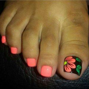 decoración de uñas de pies con flores 14
