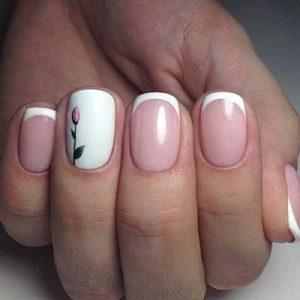 manicura francesa uñas cortas flor