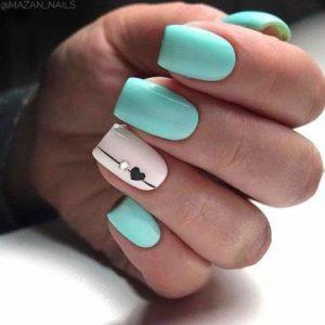 uñas turquesa y blanco