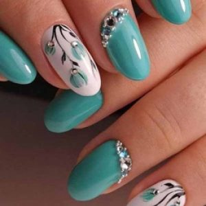 uñas azul turquesa flores