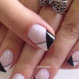 uñas blancas y negra