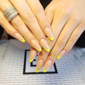 uñas francesas amarillo